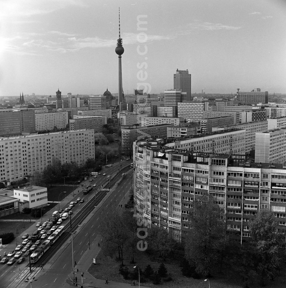 GDR image archive: Berlin - View from the high-rise building on Leninplatz (Platz der Vereinten Nationen) over the prefabricated buildings on Mollstrasse in Berlin - Friedrichshain to the centre of East Berlin with Fernsehturm, Dom, Rotes Rathaus and Nikolaikirche.