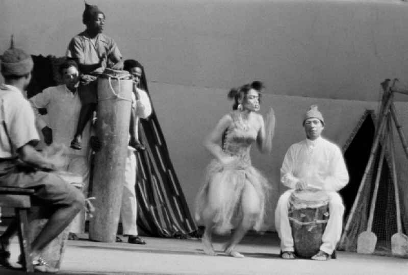 African and german actors of a theater - scene and stage design des Theaters in Halberstadt in the state Saxony-Anhalt on the territory of the former GDR, German Democratic Republic