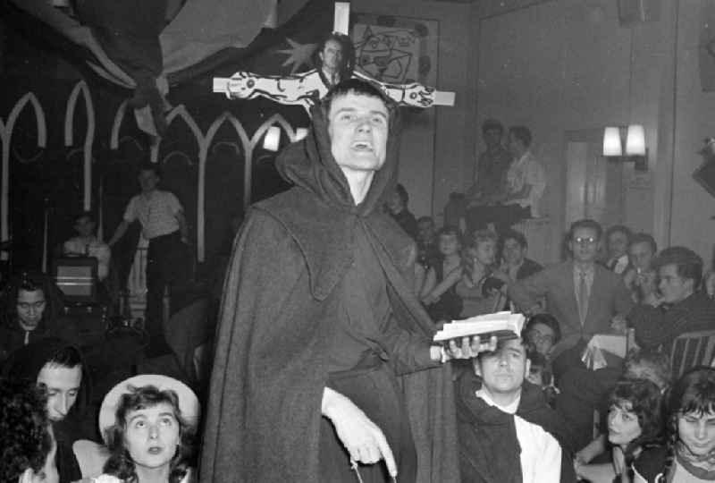 The Director Kurt Tetzlaff at a carnival event in the film school in the district Babelsberg in Potsdam in the state Brandenburg on the territory of the former GDR, German Democratic Republic