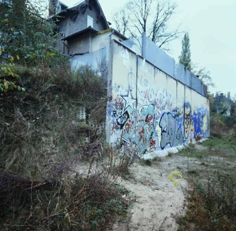 Border security fortifications on Virchowstrasse to the shore of the Griebnitzsee in the district Babelsberg in Potsdam in the state Brandenburg on the territory of the former GDR, German Democratic Republic