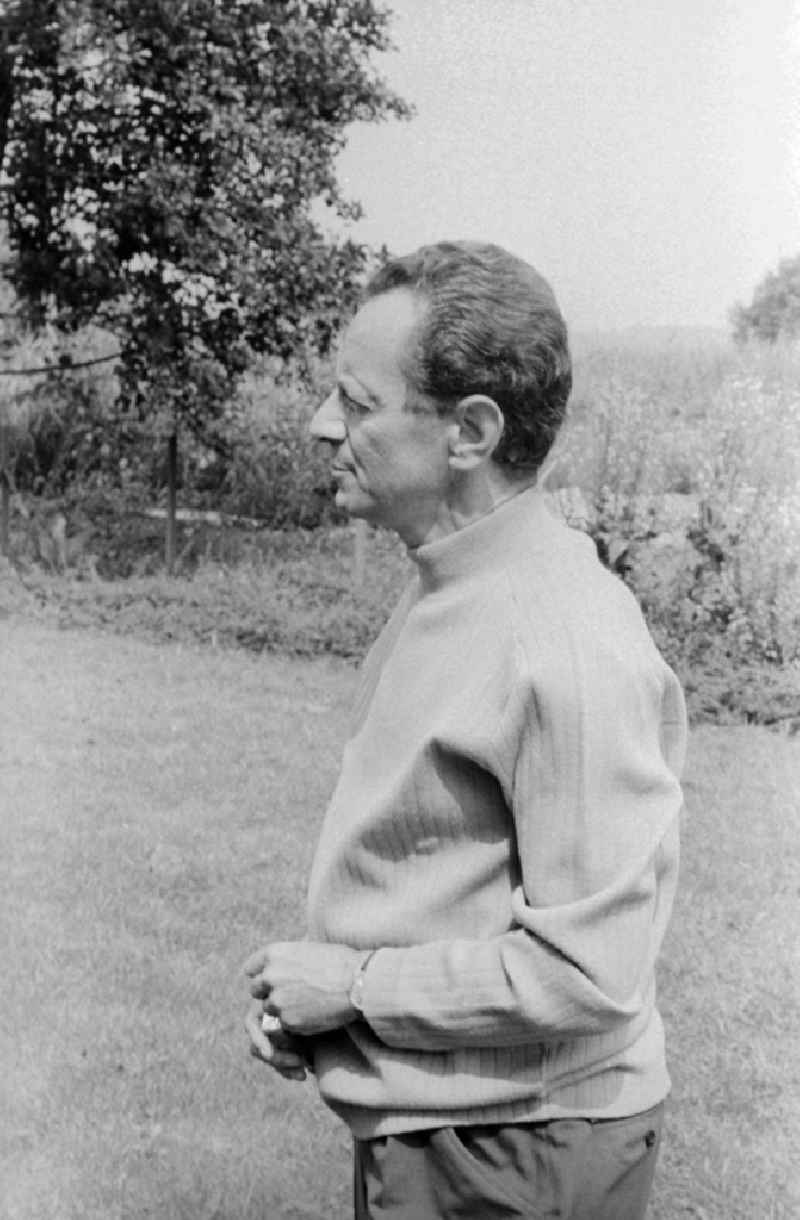 The author Dieter Noll (1927 - 2008) in Zeuthen in the federal state Brandenburg in the area of the former GDR, German democratic republic. His main work is the 2-volume novel 'Die Abenteuer des Werner Holt'.